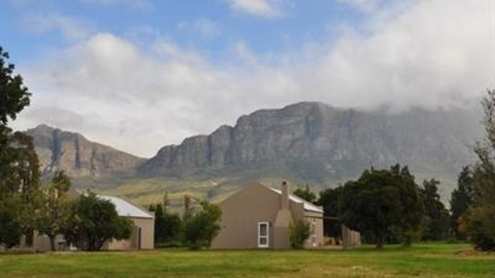 Exterior view Saronsberg Vineyard Cottages