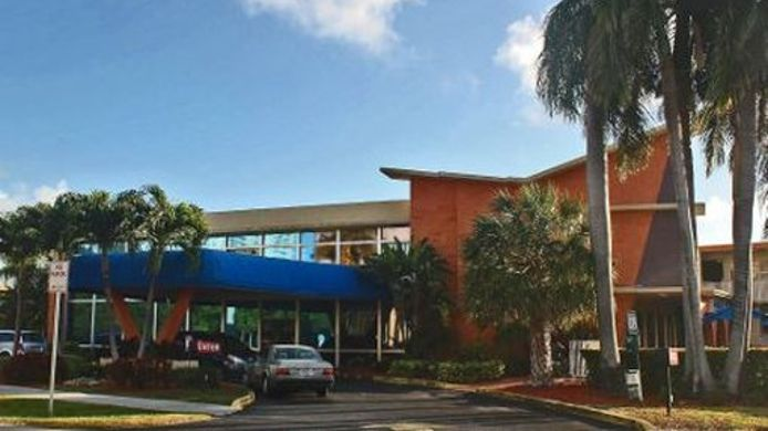 Exterior view KNIGHTS INN HALLANDALE