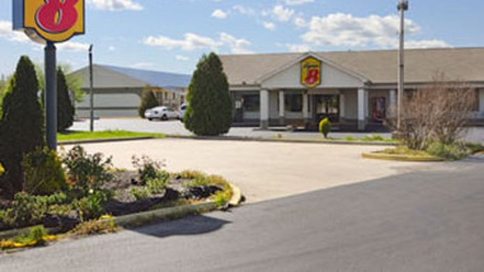 Exterior view Super 8 - Monteagle TN