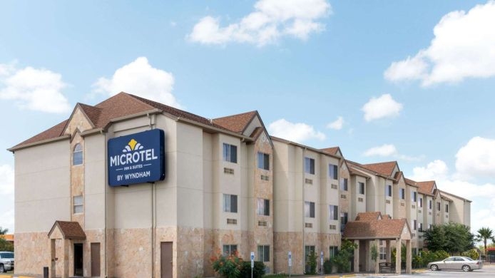 Exterior view Microtel Inn and Suites Eagle Pass
