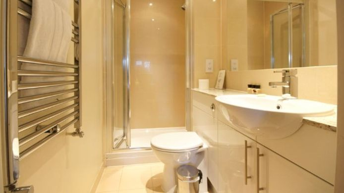 Bathroom Lodge Drive Serviced Apartments