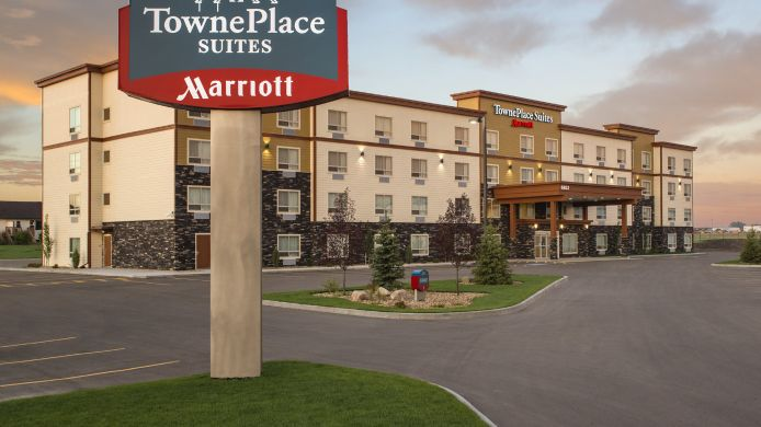 Exterior view TownePlace Suites Red Deer