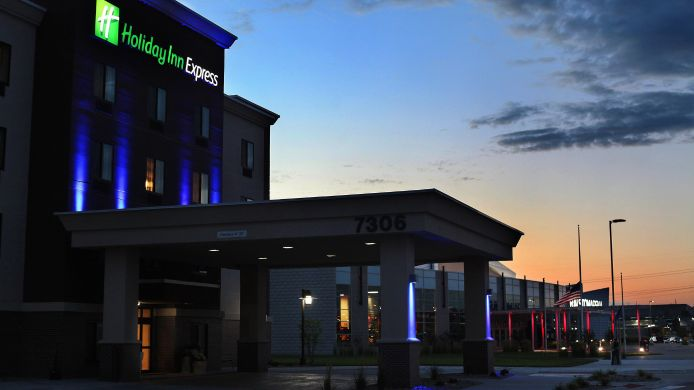 Buitenaanzicht Holiday Inn Express & Suites OMAHA SOUTH - RALSTON ARENA