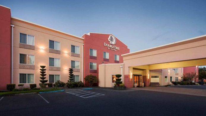 Exterior view DoubleTree by Hilton Vancouver Washington
