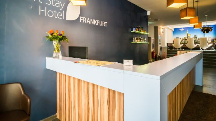 Reception Smart Stay Hotel Frankfurt
