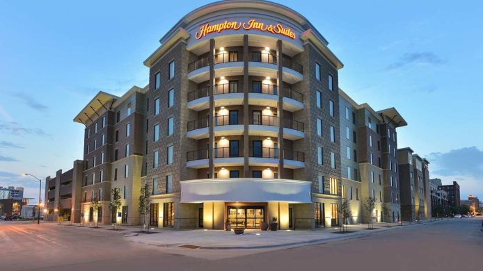 Exterior view Hampton Inn and Suites Des Moines Downtown IA