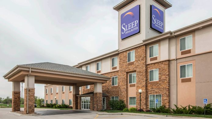 Exterior view Sleep Inn & Suites Haysville
