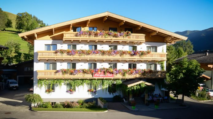 Exterior view Hotel Pension Pinzgauerhof