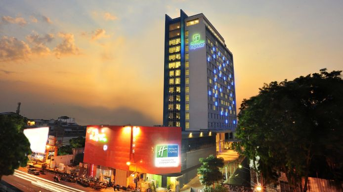 Buitenaanzicht Holiday Inn Express SURABAYA CENTERPLAZA