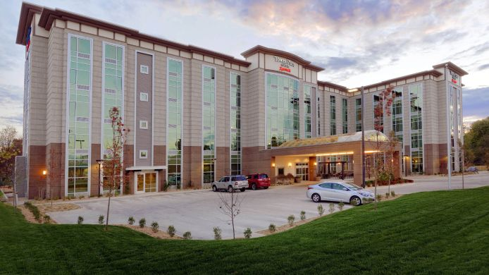 Exterior view TownePlace Suites Springfield