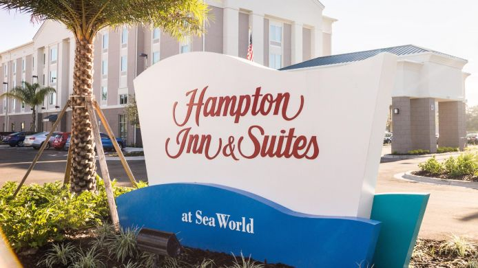 Außenansicht Hampton Inn & Suites Orlando at Sea