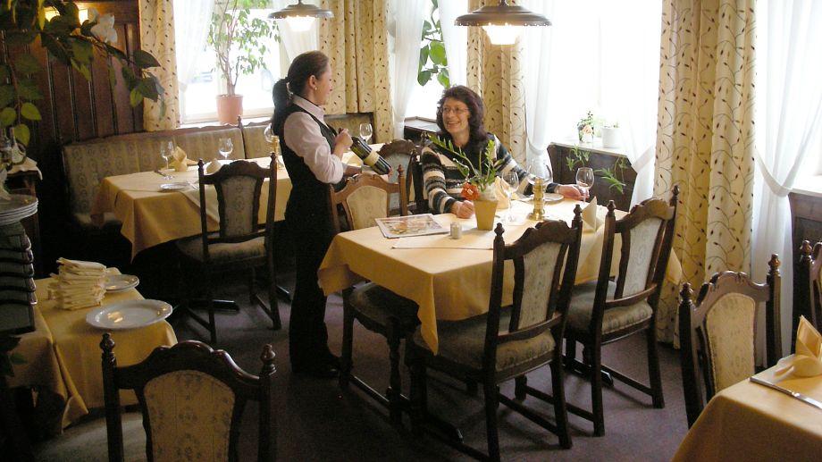 Hotel goldene rose dinkelsb hl 3 sterne hotel for Hotelsuche familienzimmer