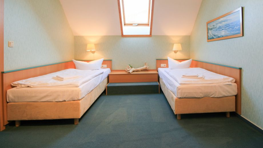 Hotel zum strandkorb appartmenthaus k hlungsborn 3 for Hotelsuche familienzimmer