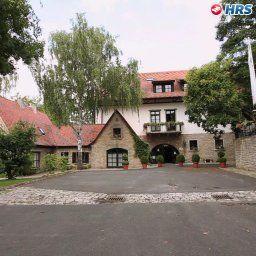 Polisina_Wald-_Sporthotel-Ochsenfurt-Aussenansicht-1-4121.jpg
