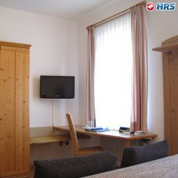 Bayerischer_Hof_Garni_Boardinghouse-Ingolstadt-Room-10-17086.jpg