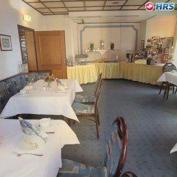 Deutsche_Eiche-Bremen-Restaurantbreakfast_room-1-27449.jpg
