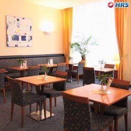 Starlight_Suiten_Merleg-Budapest-Restaurantbreakfast_room-105336.jpg