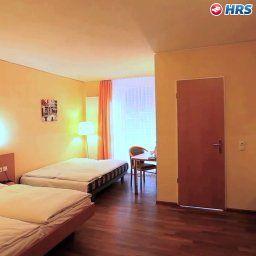 Classic-Freiburg-Superior_room-143451.jpg
