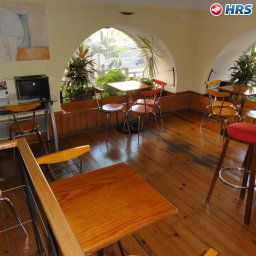 Lar_do_Areeiro_Residencial-Lisbon-Hotel_bar-2-181089.jpg