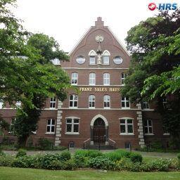 Franz_Tagungs-_und_Stadthotel-Essen-Surroundings-551864.jpg