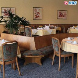 Breakfast room within restaurant Greif Stadt-gut-Hotel