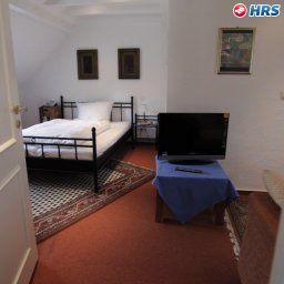 Room Jacobs Garni