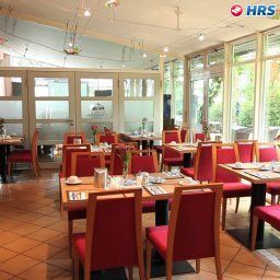 Breakfast room within restaurant Am Schillerpark