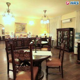 Breakfast room within restaurant The Seasons