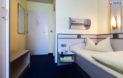 Alfa-Munich-Room-12-6017.jpg