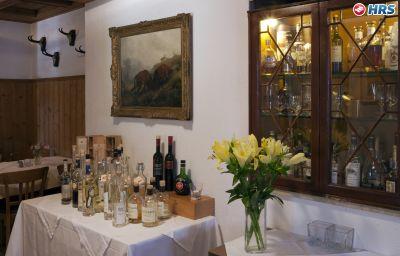 Neumayr-Munich-Restaurant-6-32761.jpg