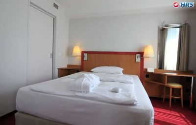 NH_Hamburg_City-Hamburg-Junior_suite-1-34418.jpg