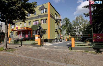 hostel_hotel_HoLi-Berlin-Exterior_view-9-539519.jpg