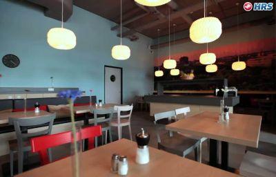Meininger_Airport-Berlin-Restaurant-1-544883.jpg