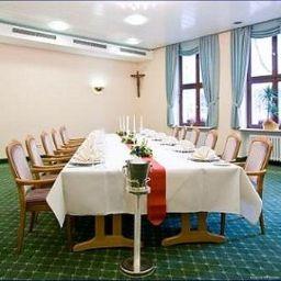 Stadthotel_Freiburg_Kolping_Hotels_Resorts-Freiburg-Conference_room-1-5614.jpg
