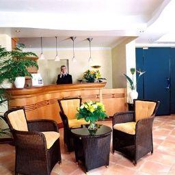 Hall de l'hôtel Garden Hotel