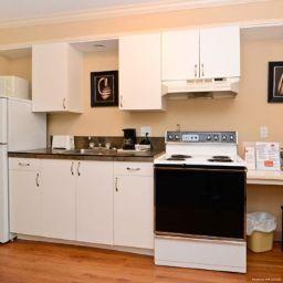 Info Econo Lodge Inn & Suites