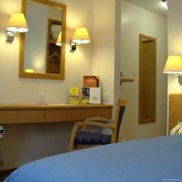 Days_Inn_Telford_Iron_Bridge_Welcome_Break_Service_Area-Telford-Room-10-171221.jpg