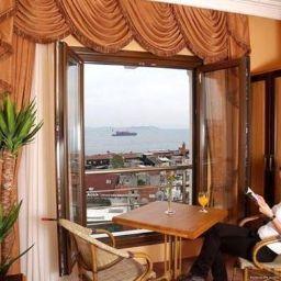 Lobby The Byzantium Hotel