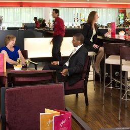 Bar hotelowy Courtyard London Gatwick Airport