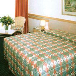 Longchamp-Geneva-Room-425299.jpg