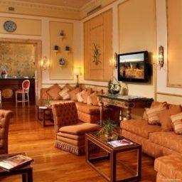 Vestíbulo del hotel Degli Aranci