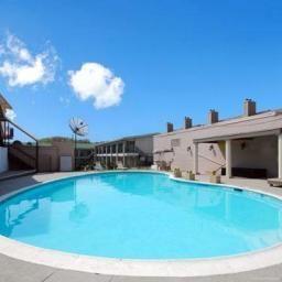 Rodeway_Inn_Suites-Arlington-Schwimmbad-441264.jpg