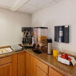 Restaurant Rodeway Inn & Suites