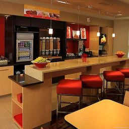 Restauracja TownePlace Suites East Lansing