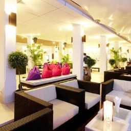 Bar del hotel Sunwing Resort Kamala Beach