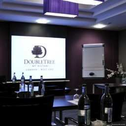 Conference room Doubletree by Hilton London - West End London (England)