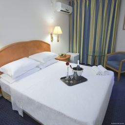 Room Q Village Poleg Beach