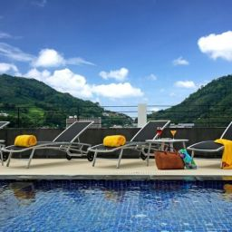 Swimming pool Centra Ashlee Hotel Patong
