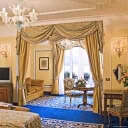 Suite Grand Hotel des Iles Borromees