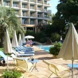 Фасад Holiday Inn CANNES